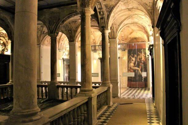 Uno scorcio di Palazzo Imperiale a Genova, location delle Prime di Vite in Riviera