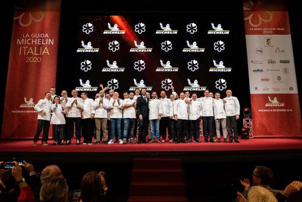 Un momento della premiazione della Guida Michelin 2020